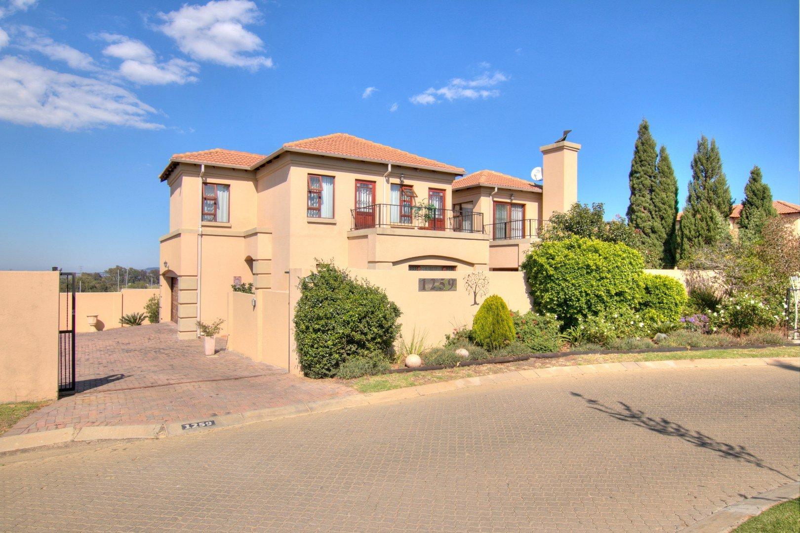 Johannesburg, Mulbarton Property  | Houses For Sale Mulbarton, Mulbarton, House 4 bedrooms property for sale Price:2,790,000