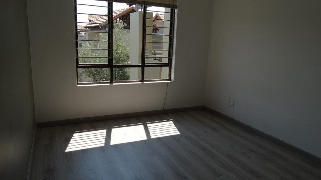 Fourways property to rent. Ref No: 13533114. Picture no 8
