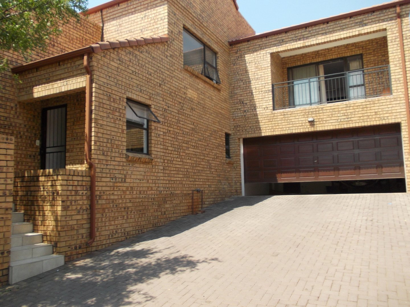 Property and Houses to rent in Gauteng, Townhouse, 4 Bedrooms - ZAR , 22,00*,M