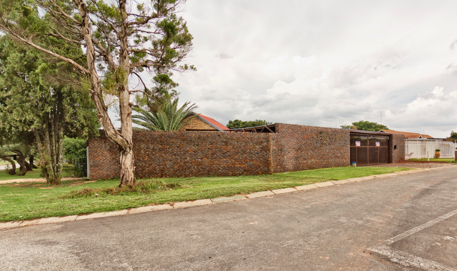 Krugersdorp, Rant En Dal Property  | Houses To Rent Rant En Dal, Rant En Dal, House 4 bedrooms property to rent Price:, 12,00*