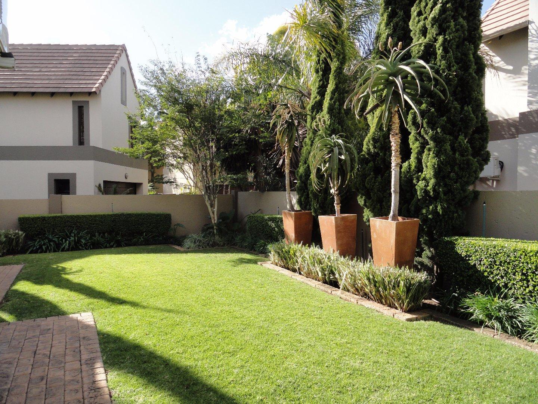 Silver Stream Estate property for sale. Ref No: 13521621. Picture no 22