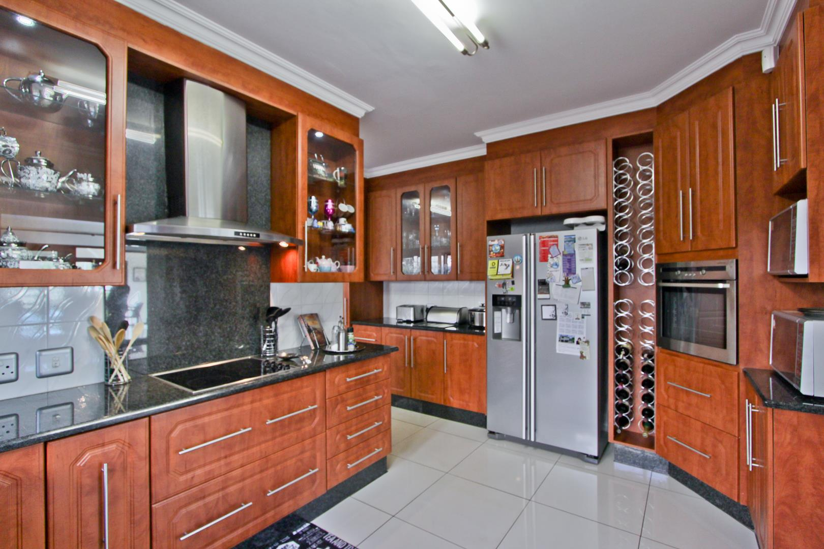 Glenvista property for sale. Ref No: 13525971. Picture no 22