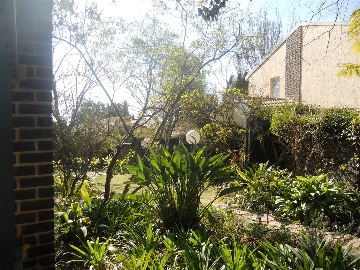 Bryanston property to rent. Ref No: 13526021. Picture no 10