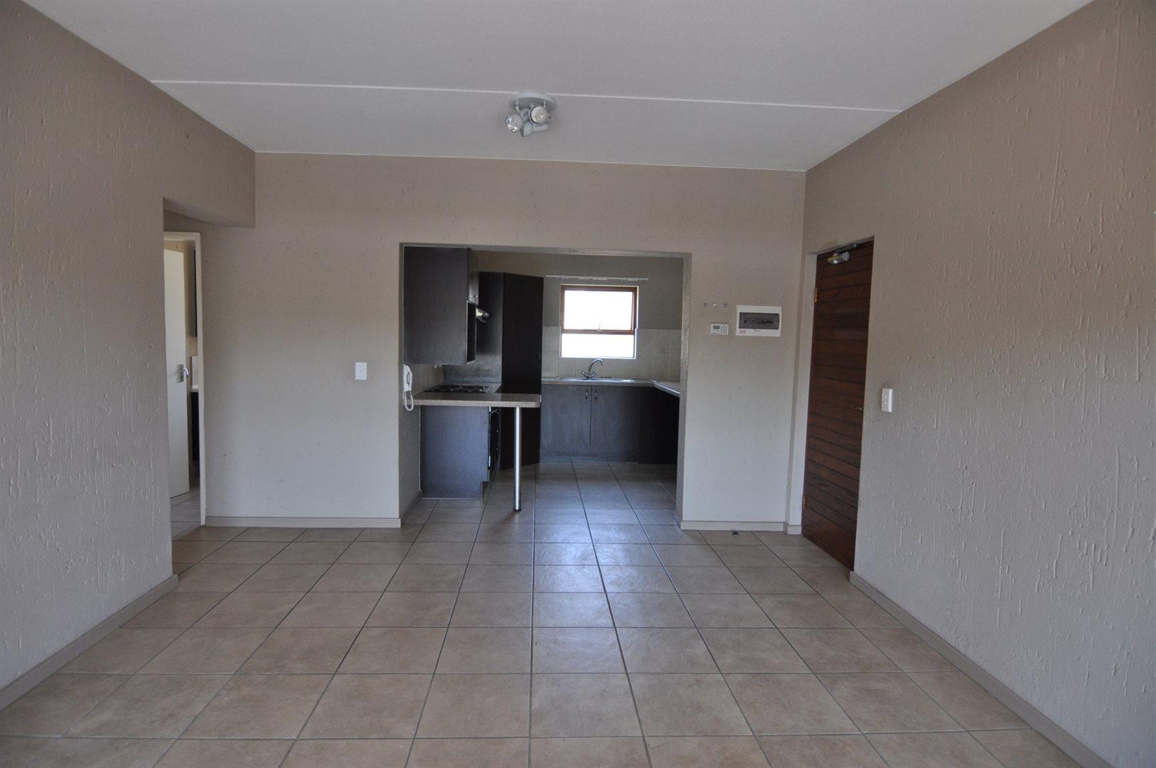 Douglasdale property to rent. Ref No: 13466650. Picture no 3