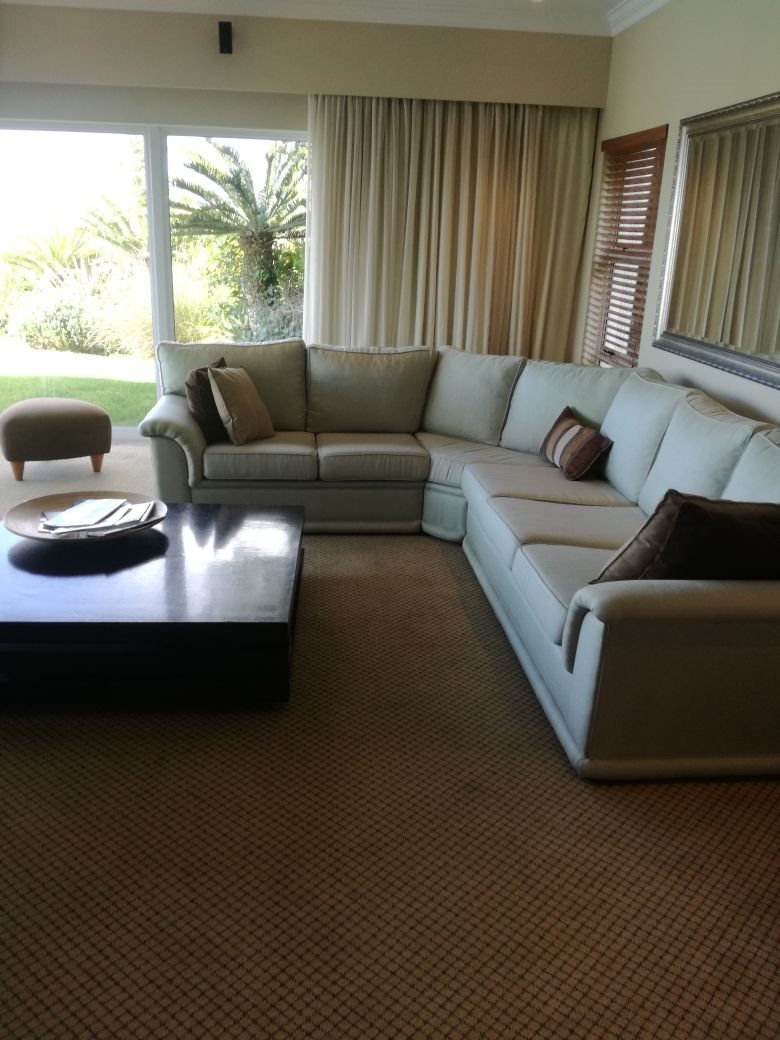 Beacon Bay property for sale. Ref No: 13566308. Picture no 7