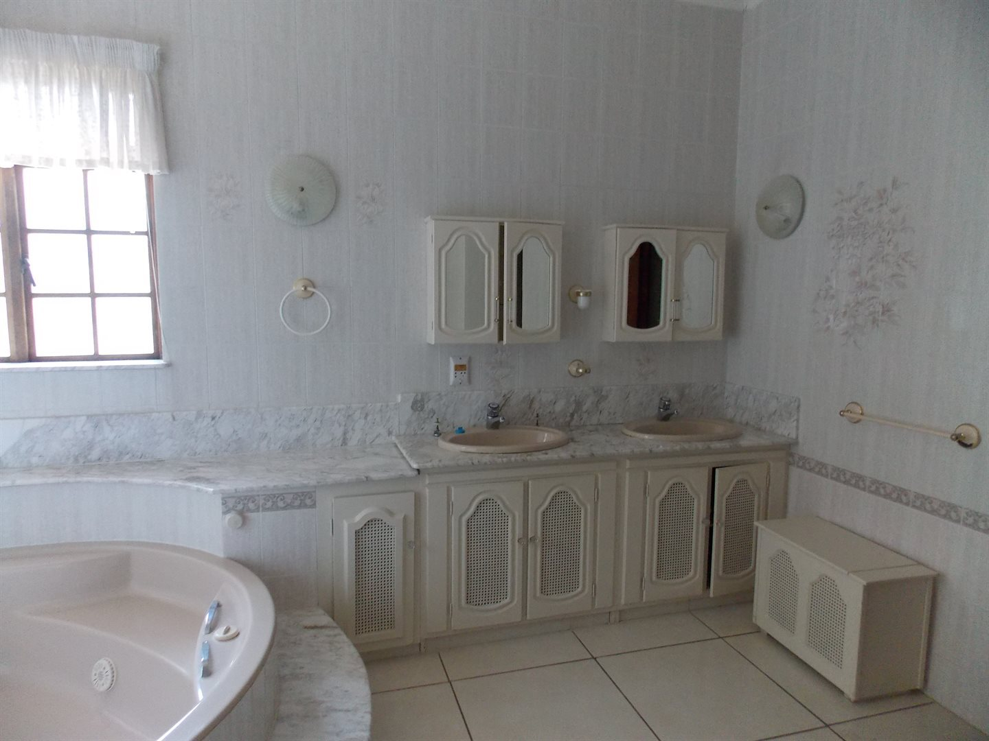 Panorama property for sale. Ref No: 13549748. Picture no 6