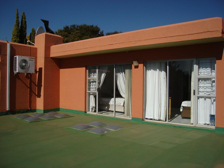 Eldoraigne property for sale. Ref No: 13494397. Picture no 35