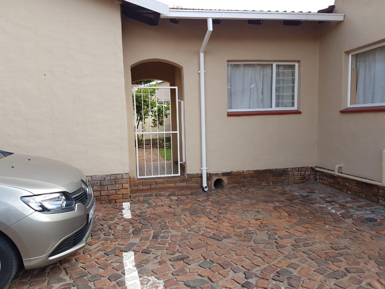 Eldoraigne property for sale. Ref No: 13623334. Picture no 15