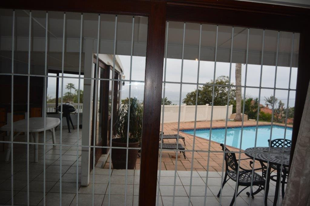 Uvongo property for sale. Ref No: 13240278. Picture no 9