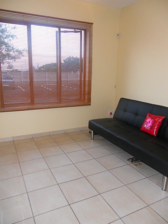 Brackenham property for sale. Ref No: 13491567. Picture no 4