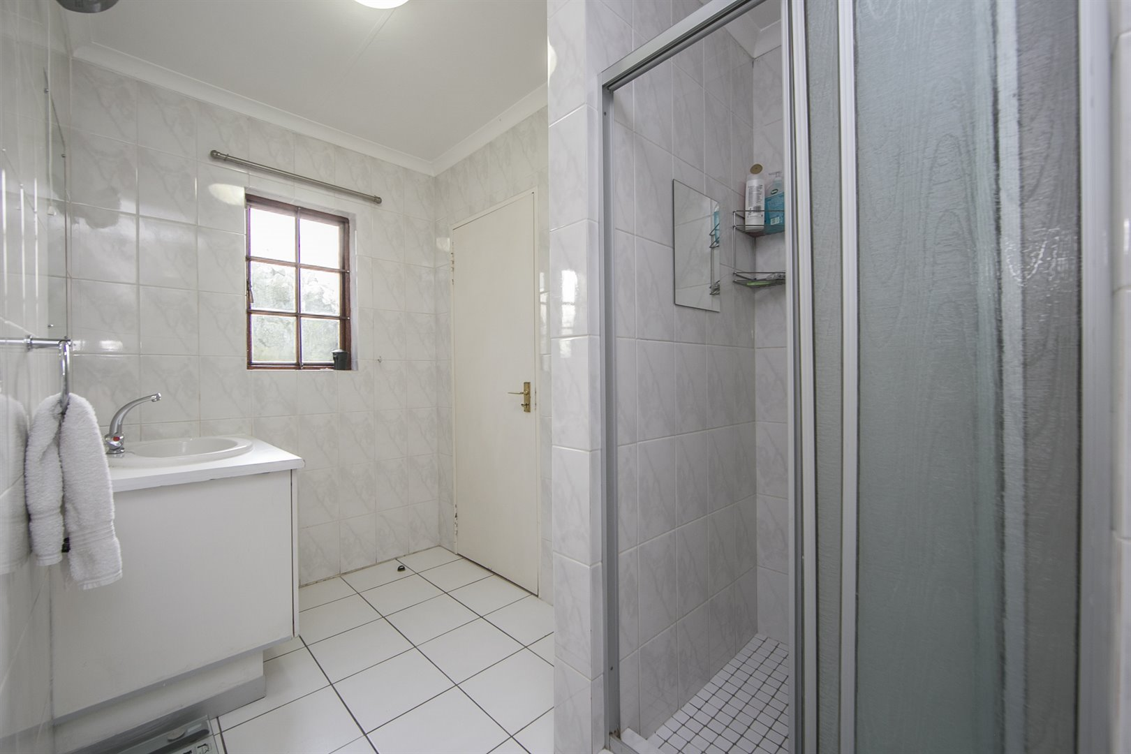 Lonehill property for sale. Ref No: 13482733. Picture no 14