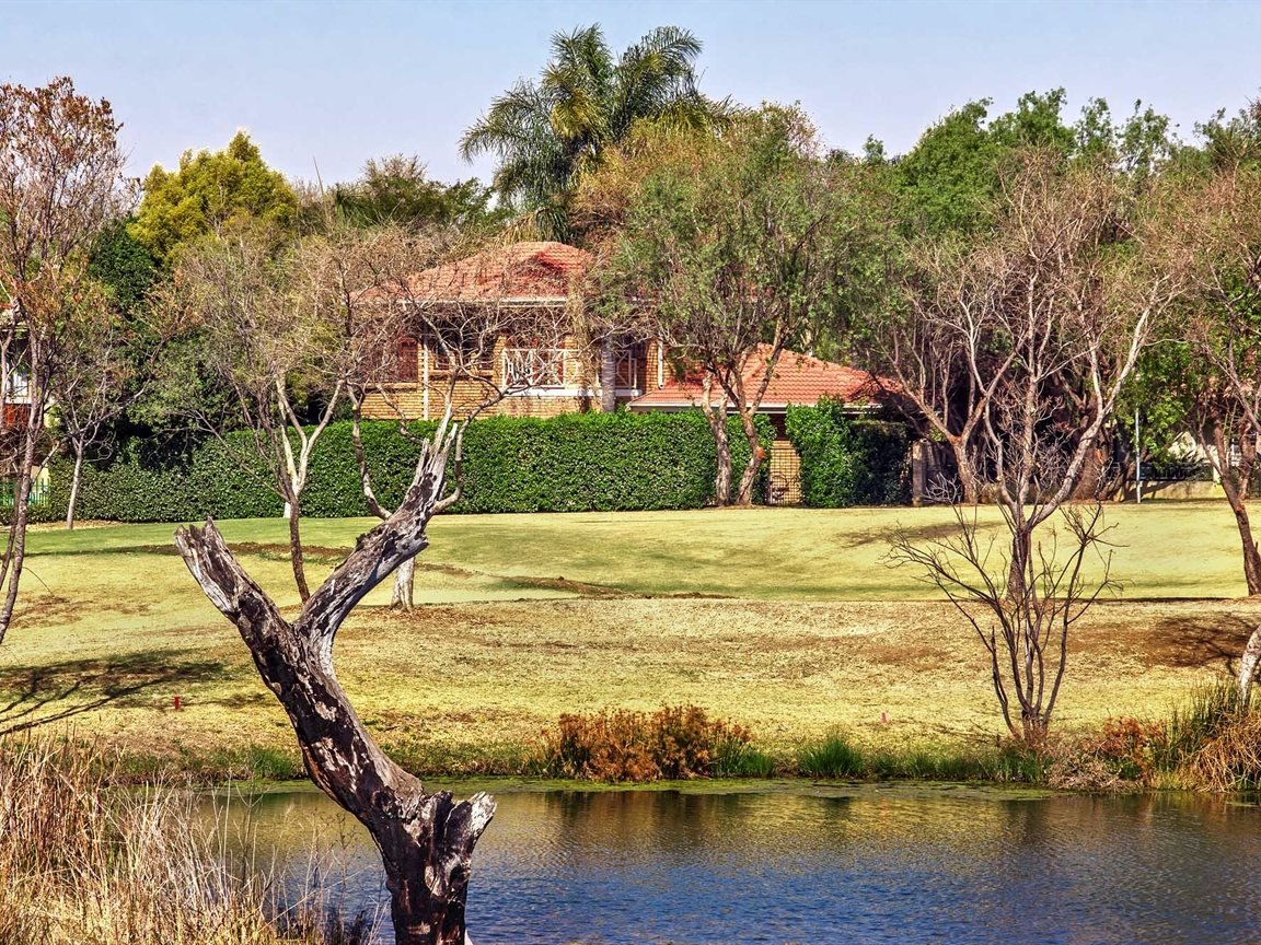 Silver Lakes Golf Estate property for sale. Ref No: 13563694. Picture no 33