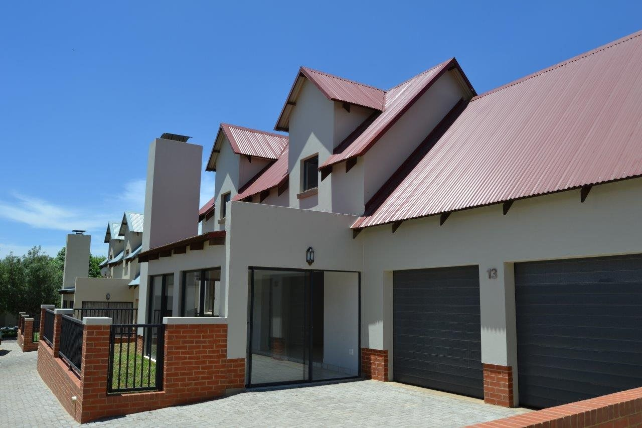 Centurion heritage hill property houses to rent for Centurion homes
