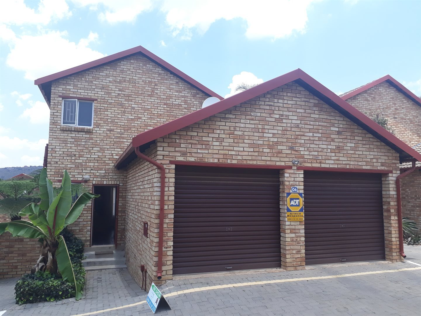 Roodepoort, Wilgeheuwel Property    Houses For Sale Wilgeheuwel, Wilgeheuwel, Townhouse 2 bedrooms property for sale Price:920,000