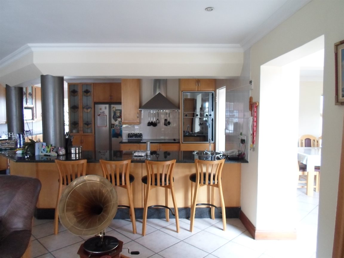 Cornwall Hill property to rent. Ref No: 13282082. Picture no 9