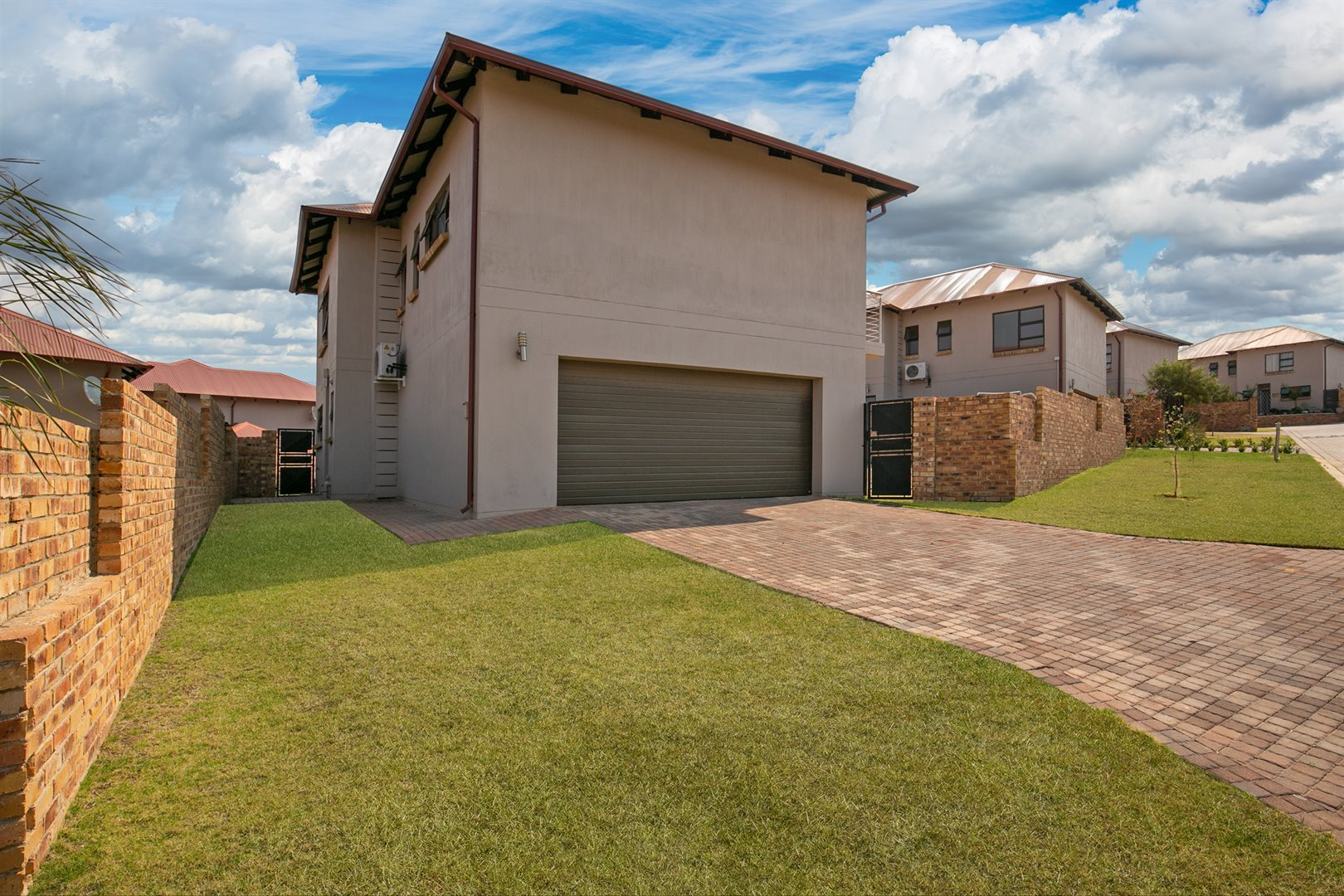 Randburg, Cedar Creek Property  | Houses For Sale Cedar Creek, Cedar Creek, Townhouse 4 bedrooms property for sale Price:2,299,000