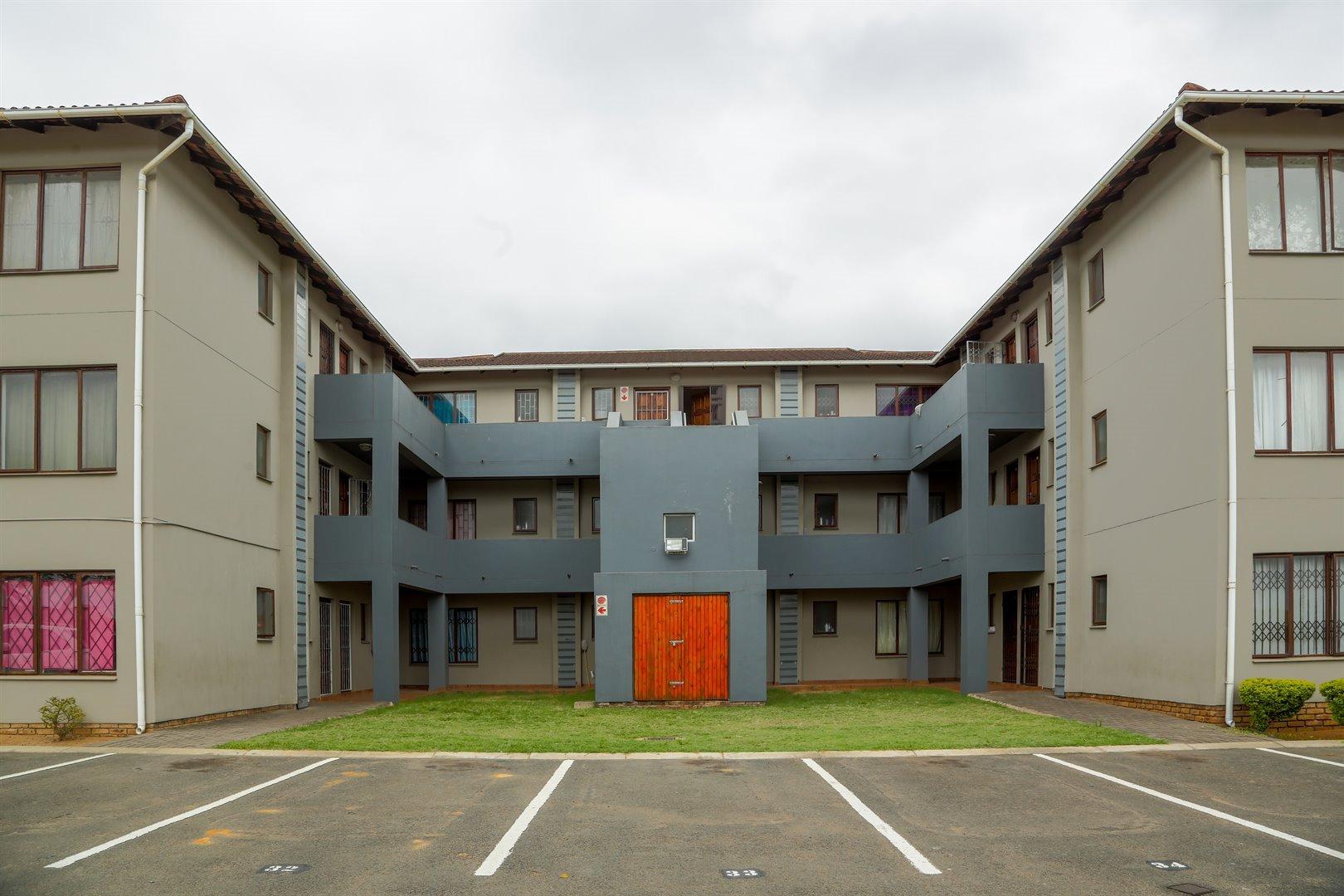 Brackenham property for sale. Ref No: 13481259. Picture no 1