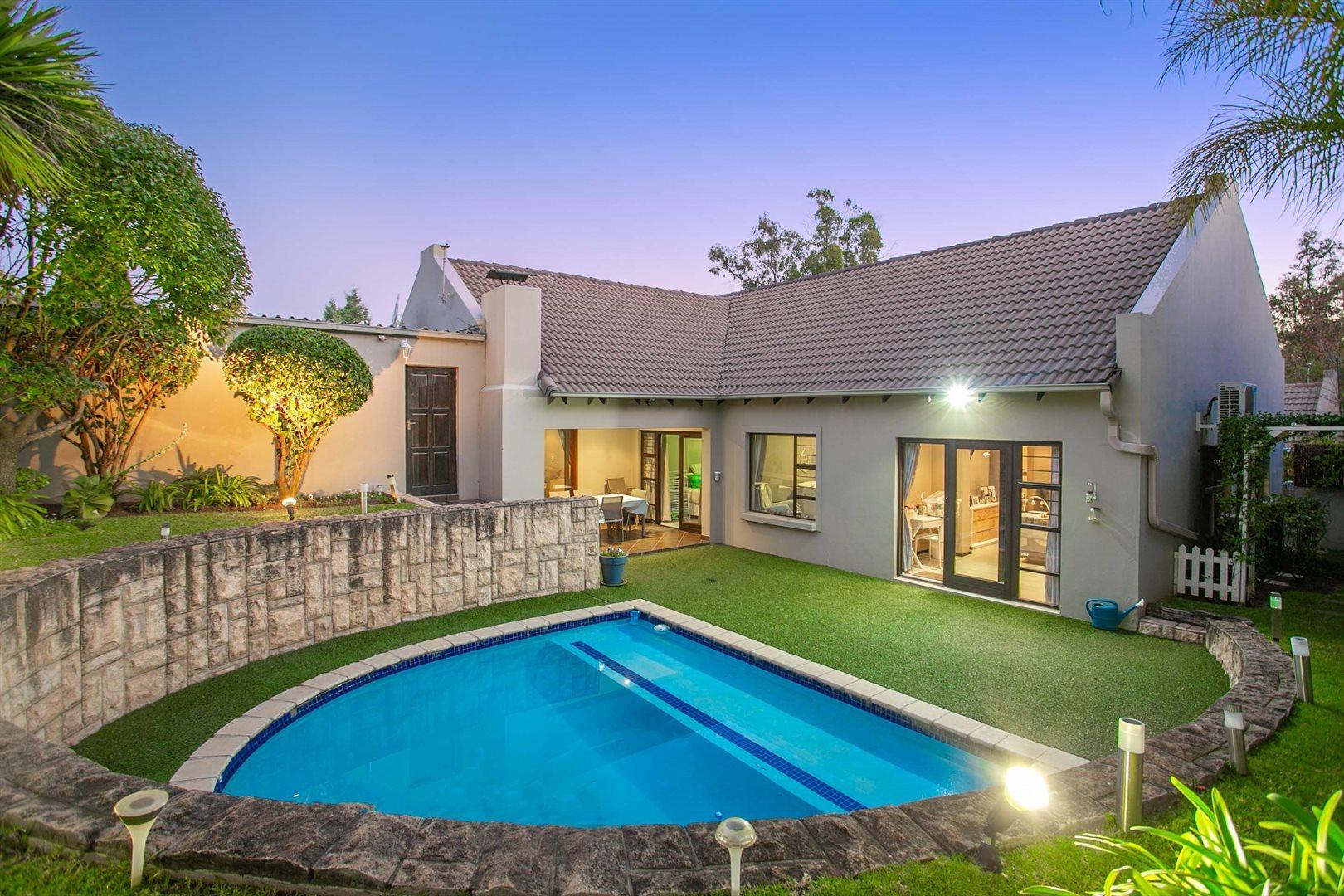 Sandton, Douglasdale Property  | Houses For Sale Douglasdale, Douglasdale, House 3 bedrooms property for sale Price:2,299,000