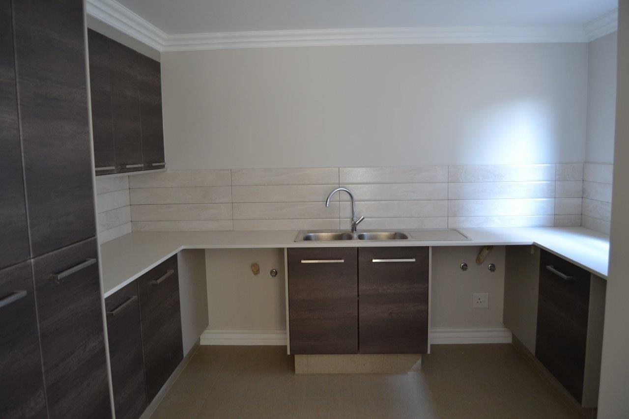 Midstream Ridge Estate property for sale. Ref No: 13500360. Picture no 8