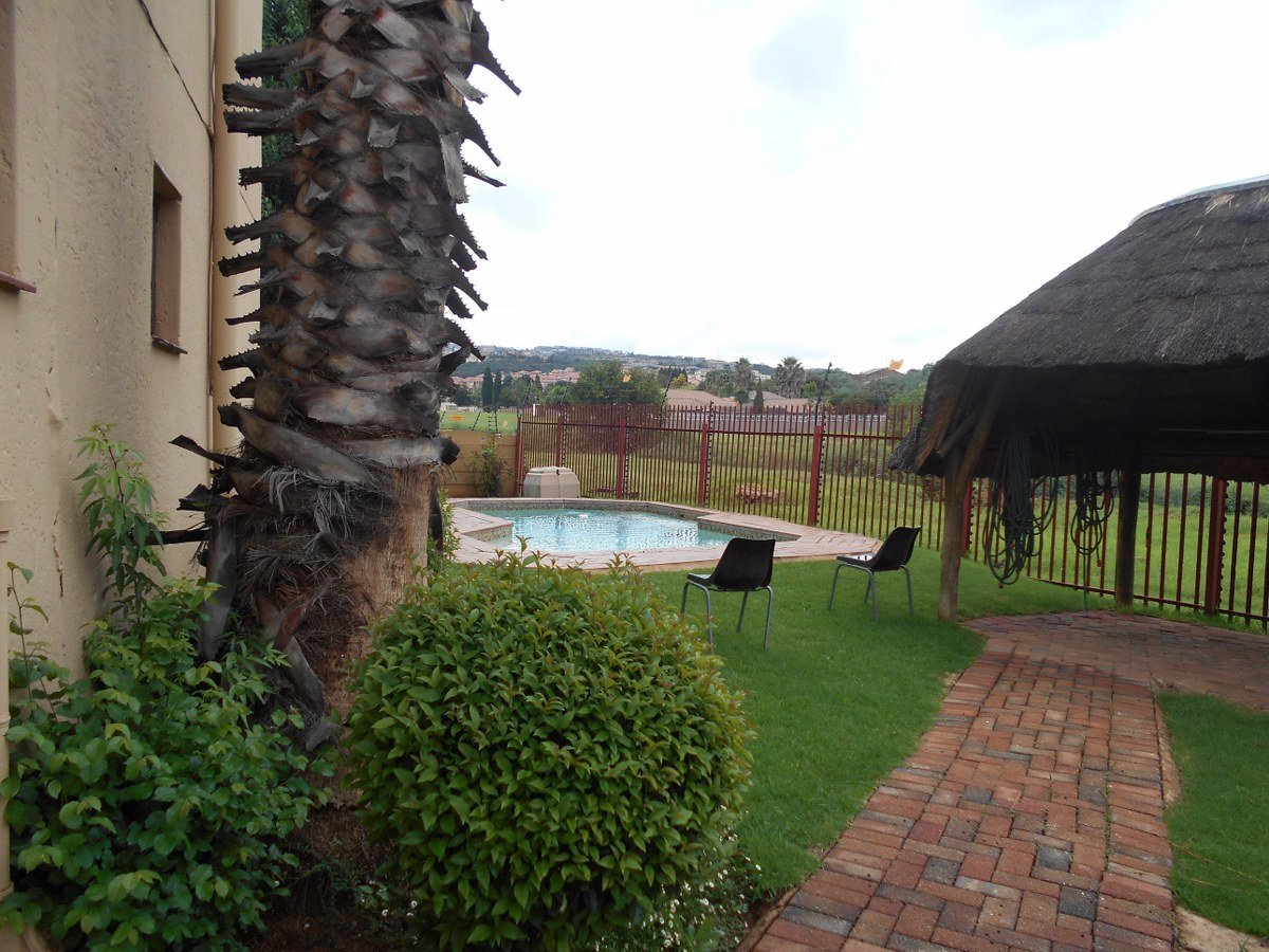 Johannesburg, Glenvista Property  | Houses For Sale Glenvista - Page 4, Glenvista, Apartment 2 bedrooms property for sale Price:670,000