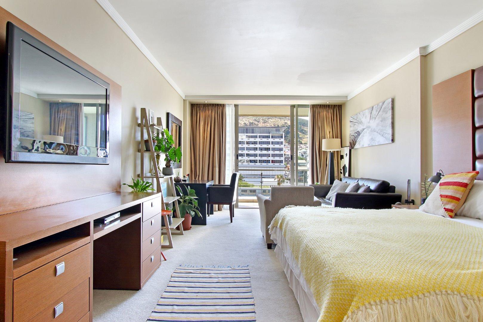 Cape Town City Centre property for sale. Ref No: 13715960. Picture no 1