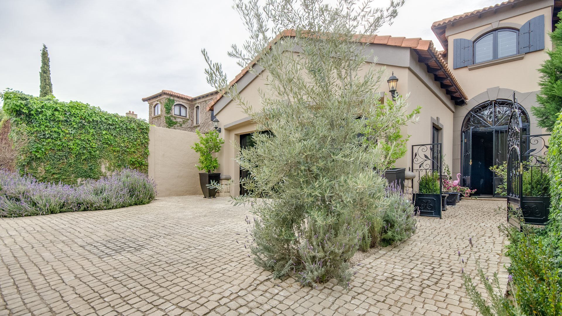 Sandton, Beverley Property  | Houses For Sale Beverley, Beverley, House 4 bedrooms property for sale Price:4,050,000