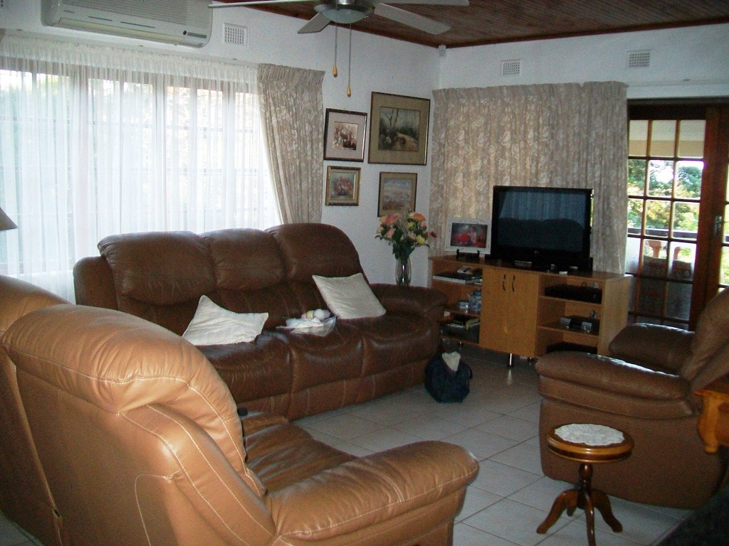 Marina Beach property for sale. Ref No: 12754536. Picture no 6