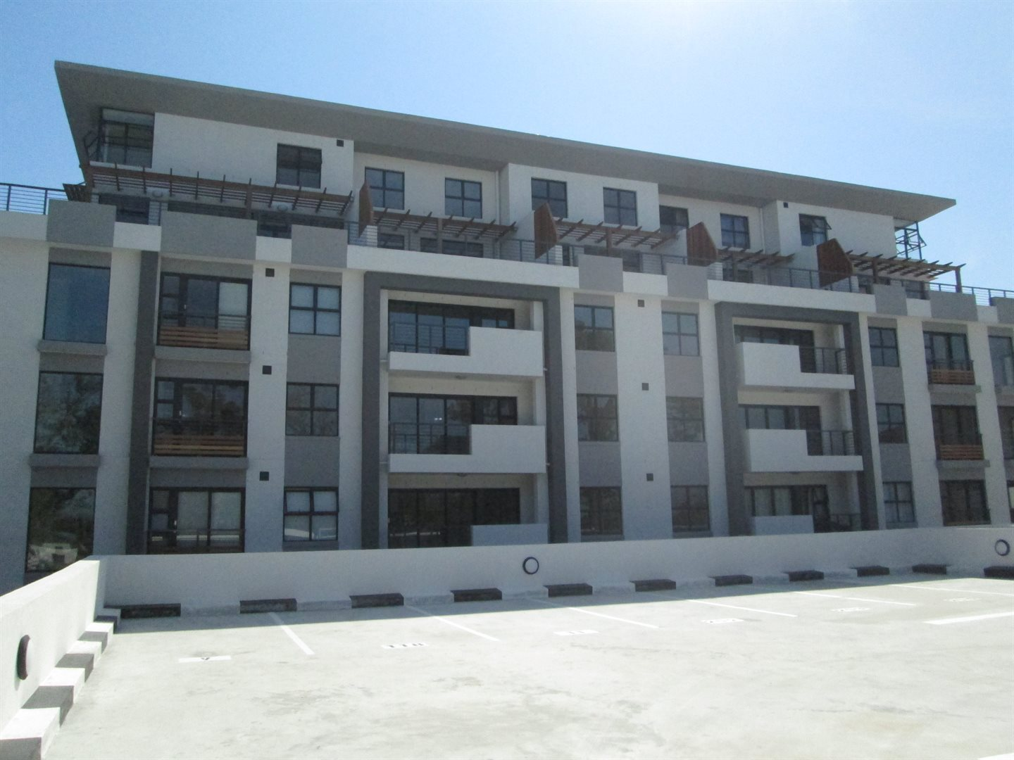 Property and Houses for sale in Kenilworth Upper, Apartment, 2 Bedrooms - ZAR 2,600,000