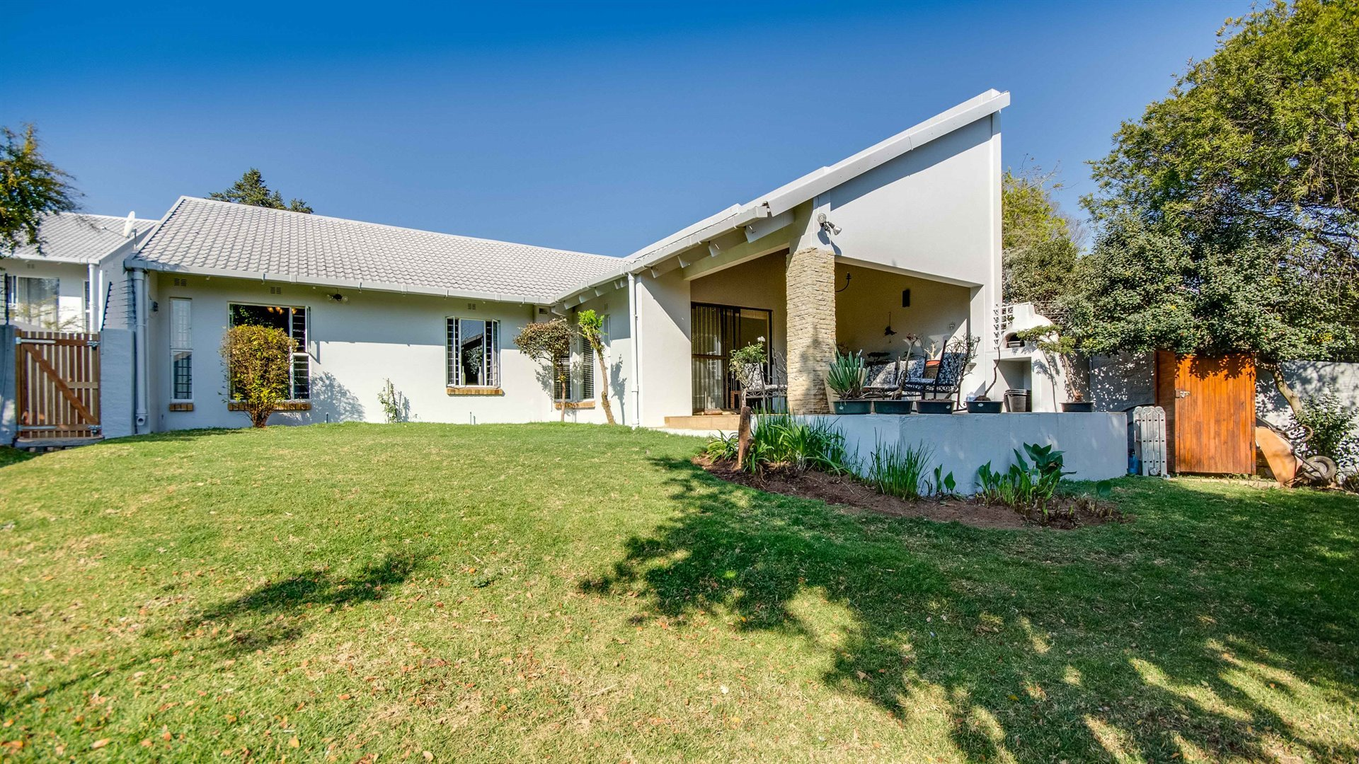 Sandton, Lonehill Property  | Houses For Sale Lonehill - Page 2, Lonehill, Townhouse 3 bedrooms property for sale Price:2,195,000