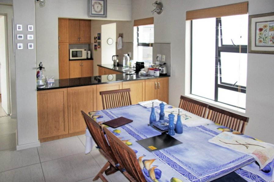 Shelley Point property for sale. Ref No: 13523608. Picture no 7