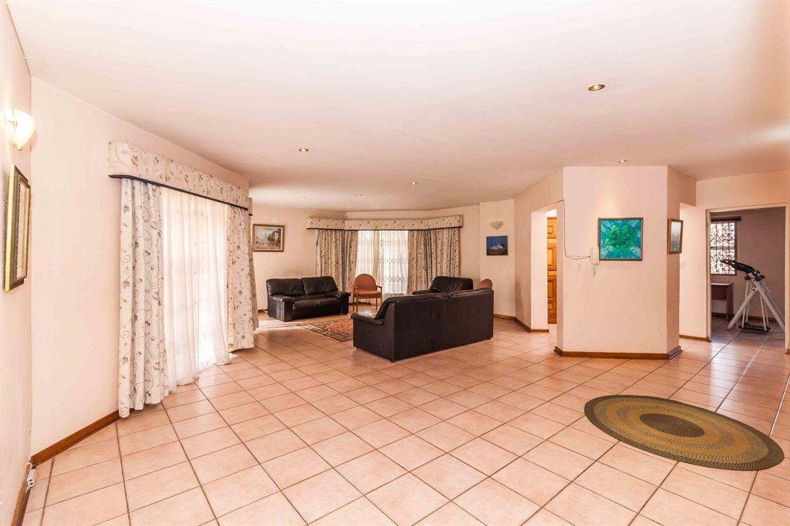 Erasmia property for sale. Ref No: 13400076. Picture no 3