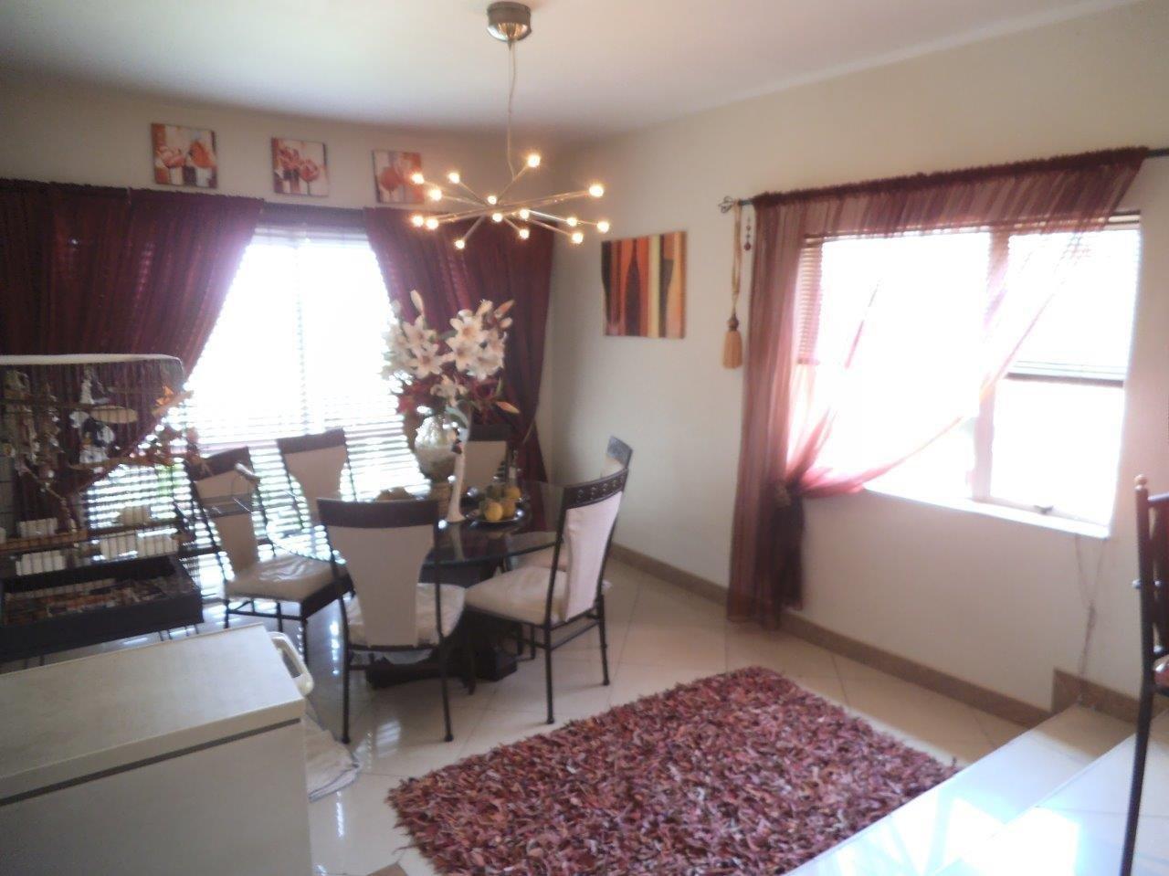 Glenvista property for sale. Ref No: 13624500. Picture no 42