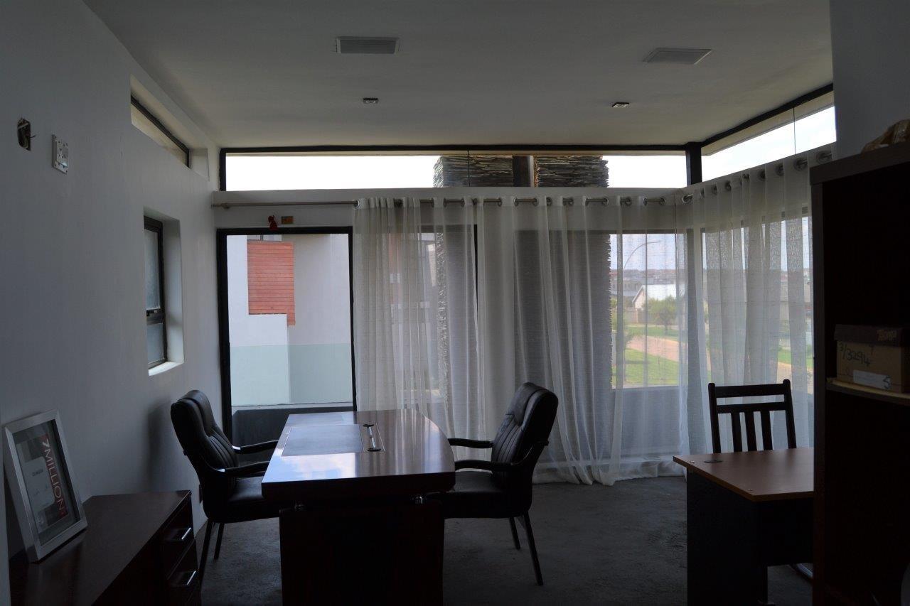 Midstream Hill Estate property for sale. Ref No: 13584239. Picture no 22