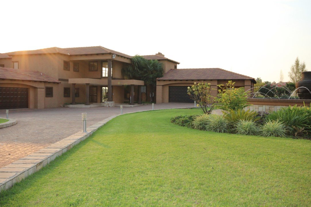 Property Vereeniging : Houses For Sale Vereeniging (All), Three Rivers East, House 4 bedrooms property for sale Price:POA