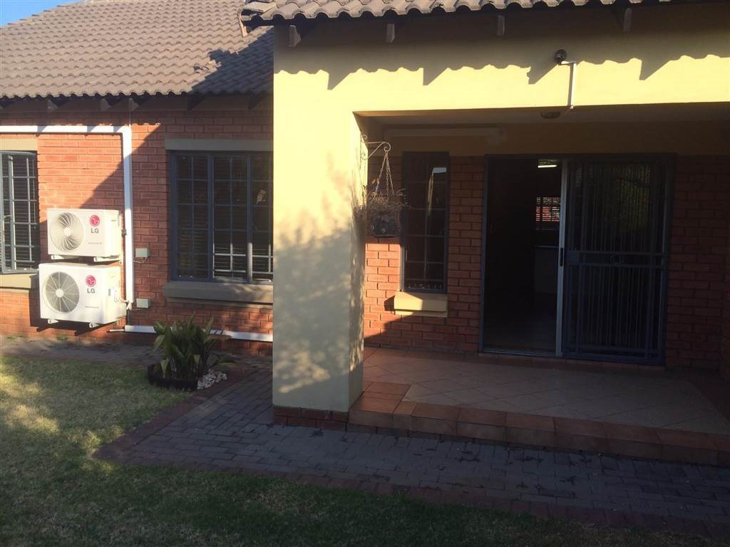 Eco Park Estate property for sale. Ref No: 13552428. Picture no 2