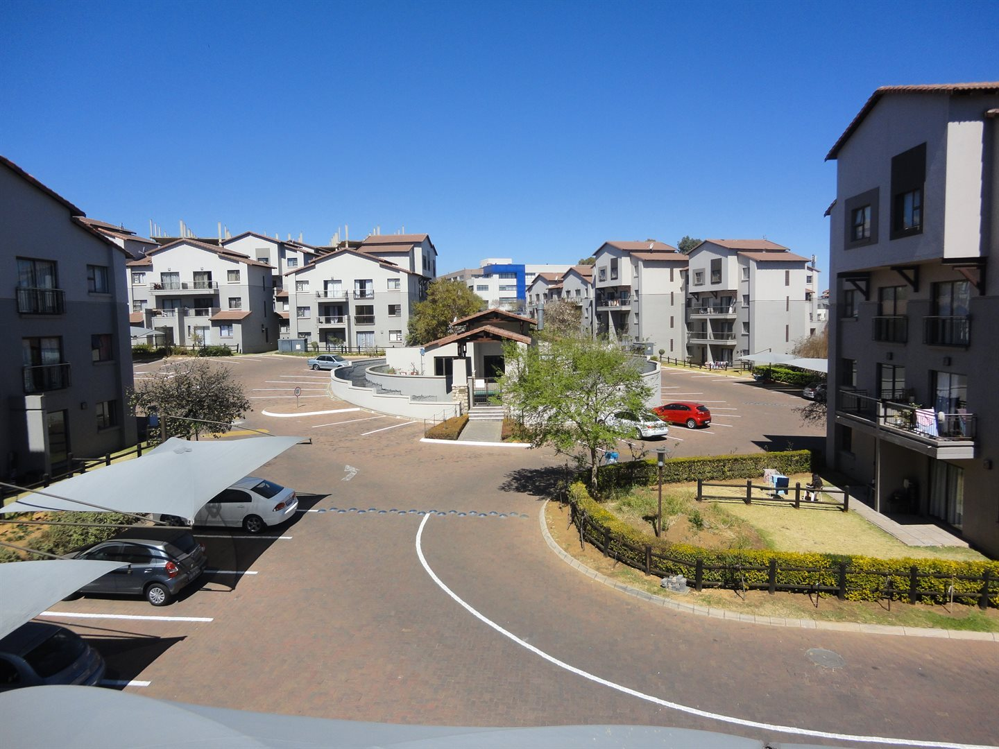 Sunninghill property to rent. Ref No: 13553044. Picture no 15