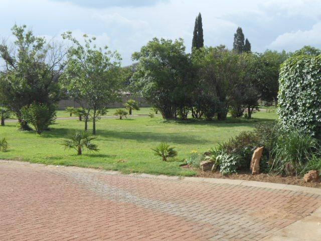 Mooilande property for sale. Ref No: 13421739. Picture no 11