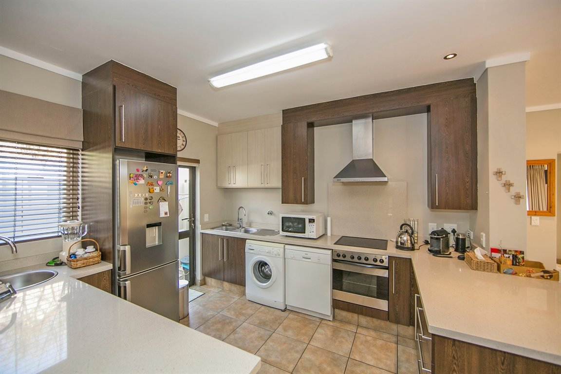 Fourways property for sale. Ref No: 13383649. Picture no 3