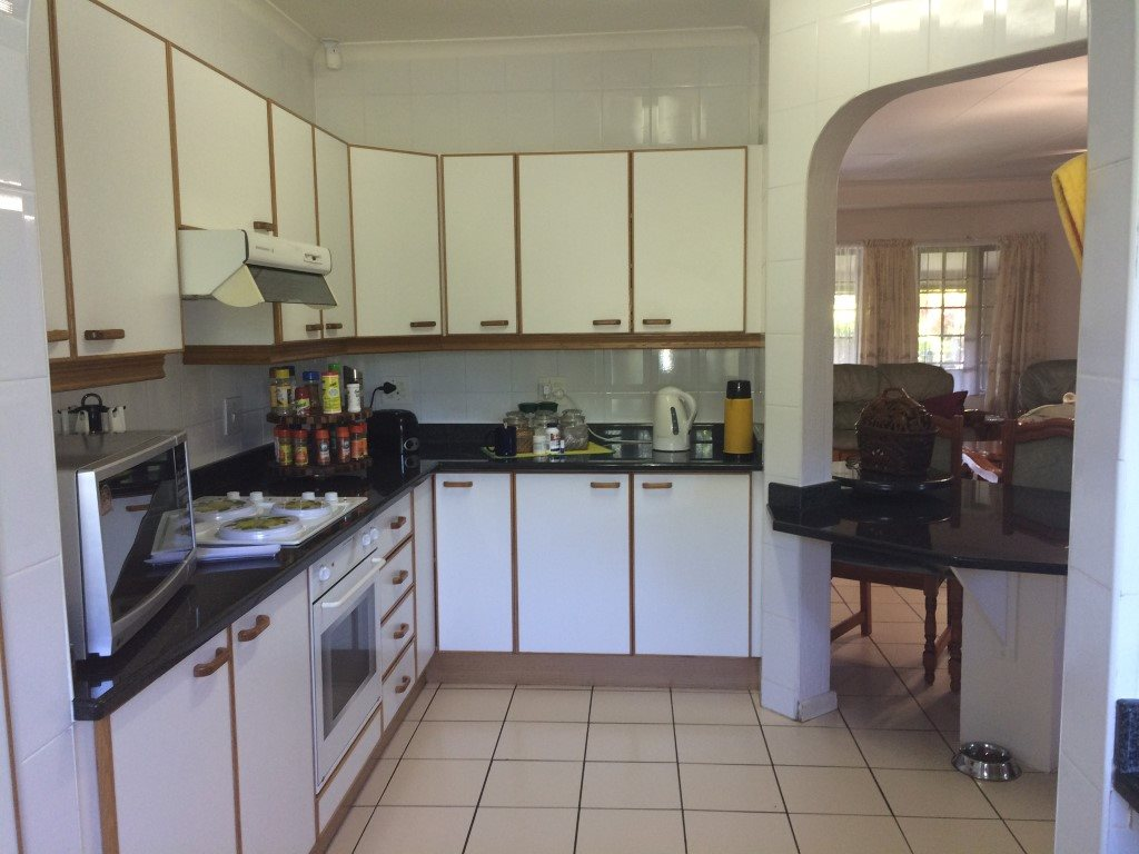 Uvongo property for sale. Ref No: 13281674. Picture no 10