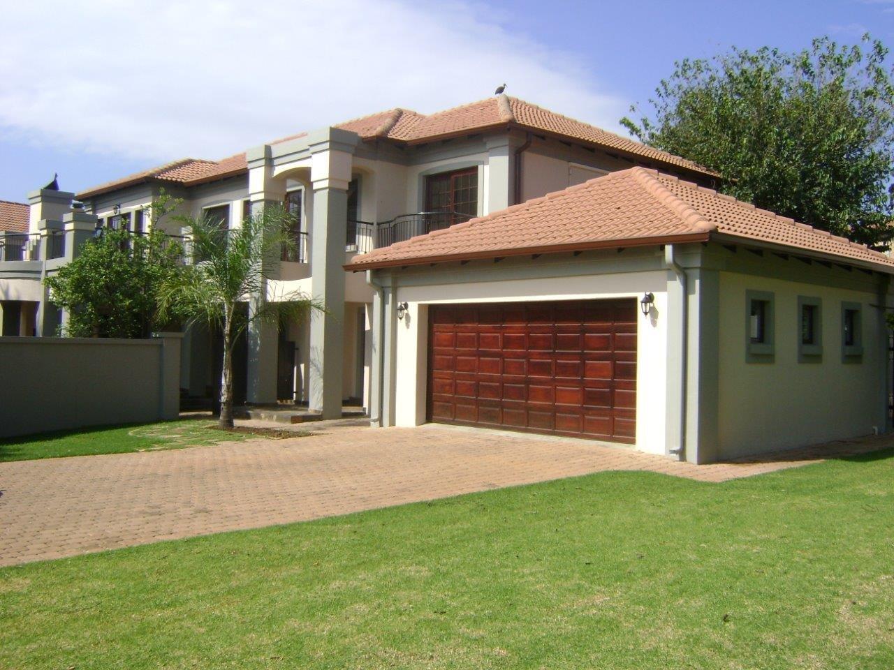 Property to Rent by Ernst Van Eck, House, 4 Bedrooms - ZAR , 28,00*,M