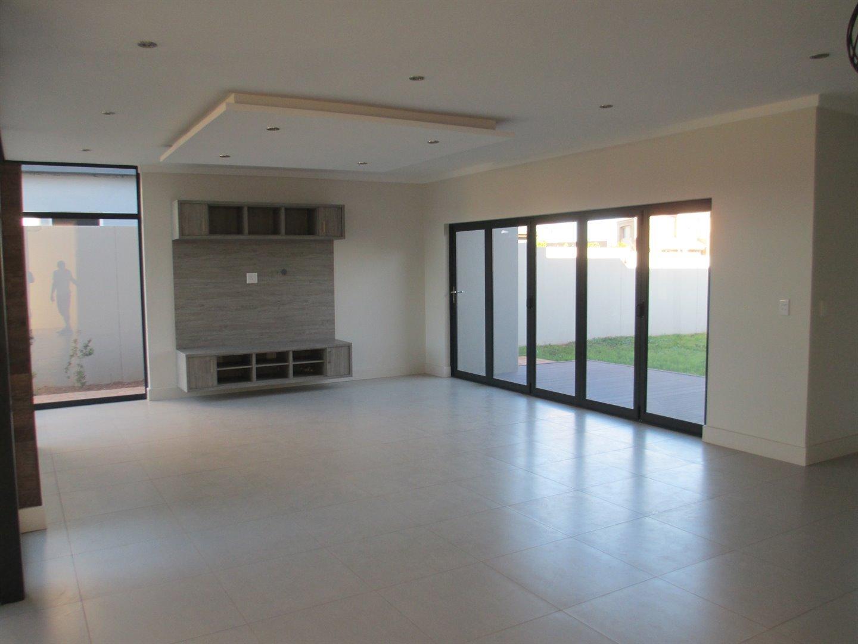 Midstream Ridge Estate property for sale. Ref No: 13479529. Picture no 6