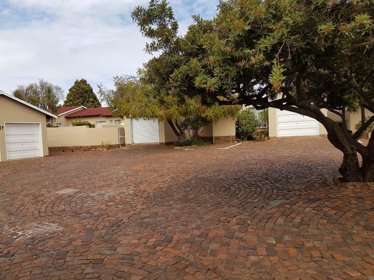 Eldoraigne property for sale. Ref No: 13623334. Picture no 22