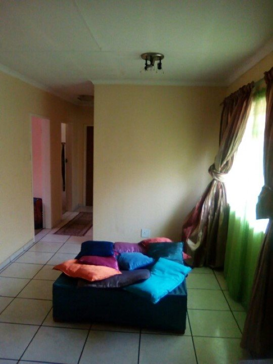 Kookrus property for sale. Ref No: 13392038. Picture no 8