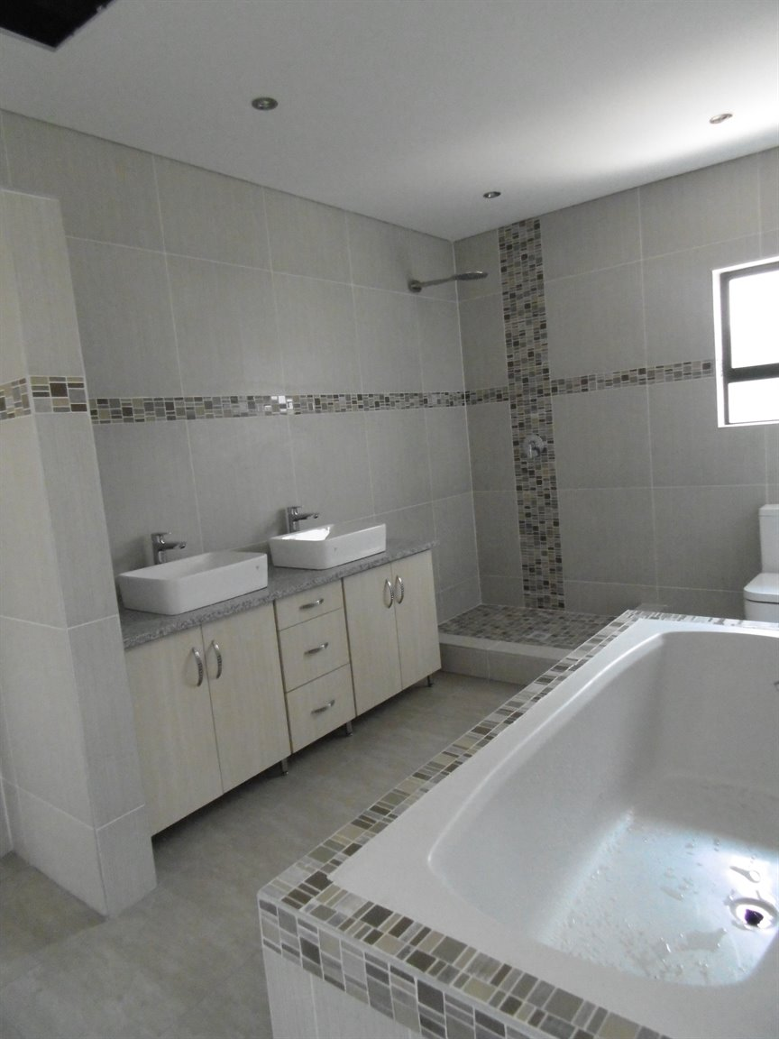 Meer En See property for sale. Ref No: 13281313. Picture no 9
