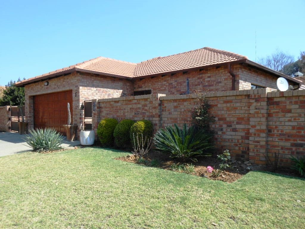 Pretoria, Willow Park Manor Property  | Houses For Sale Willow Park Manor, Willow Park Manor, Townhouse 3 bedrooms property for sale Price:1,450,000