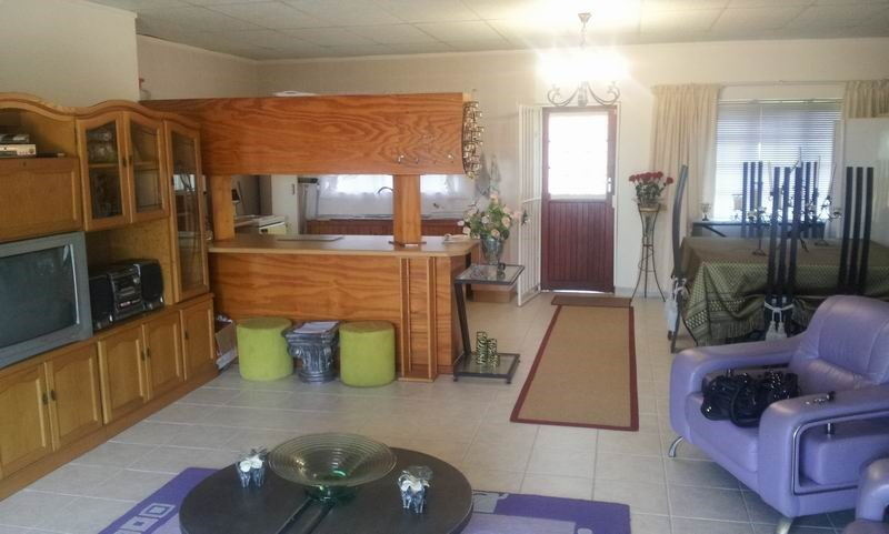 Uvongo property for sale. Ref No: 12733435. Picture no 7