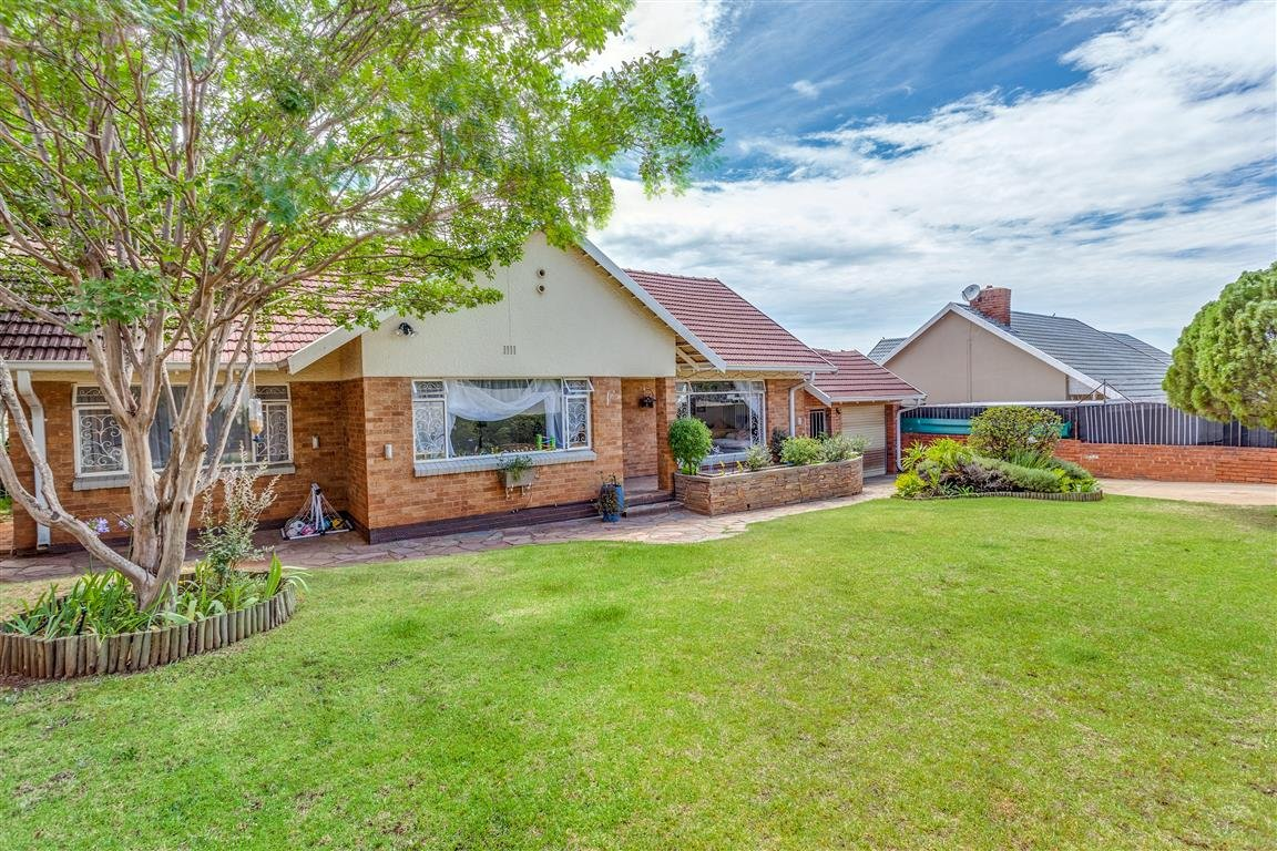 Property and Houses for sale in Blairgowrie, House, 3 Bedrooms - ZAR 1,690,000
