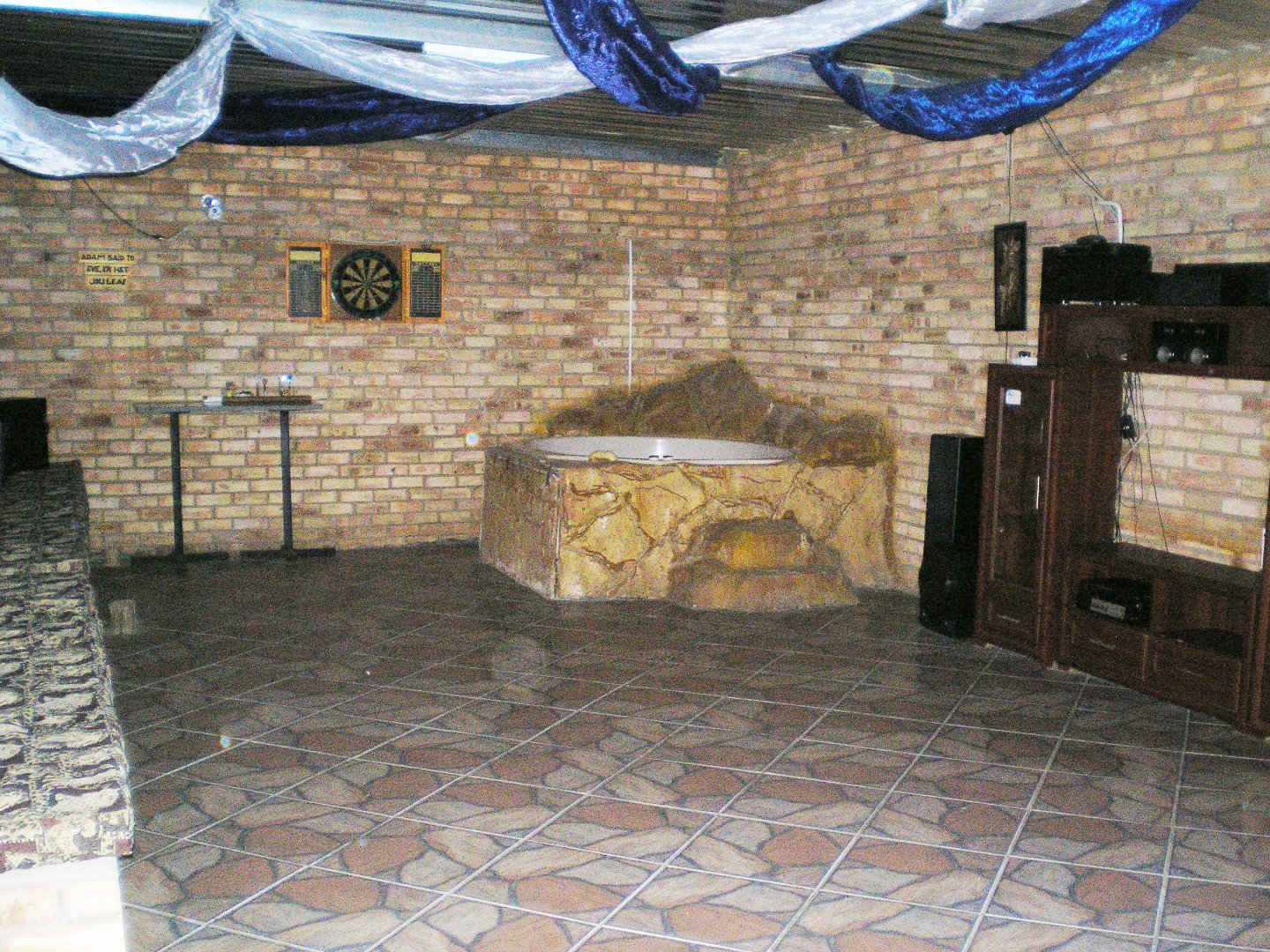 Tenacre A H property for sale. Ref No: 13677260. Picture no 36