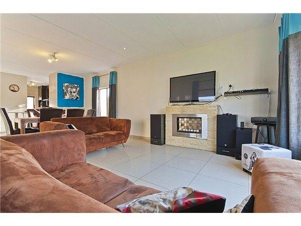 Midrand property for sale. Ref No: 13532319. Picture no 4