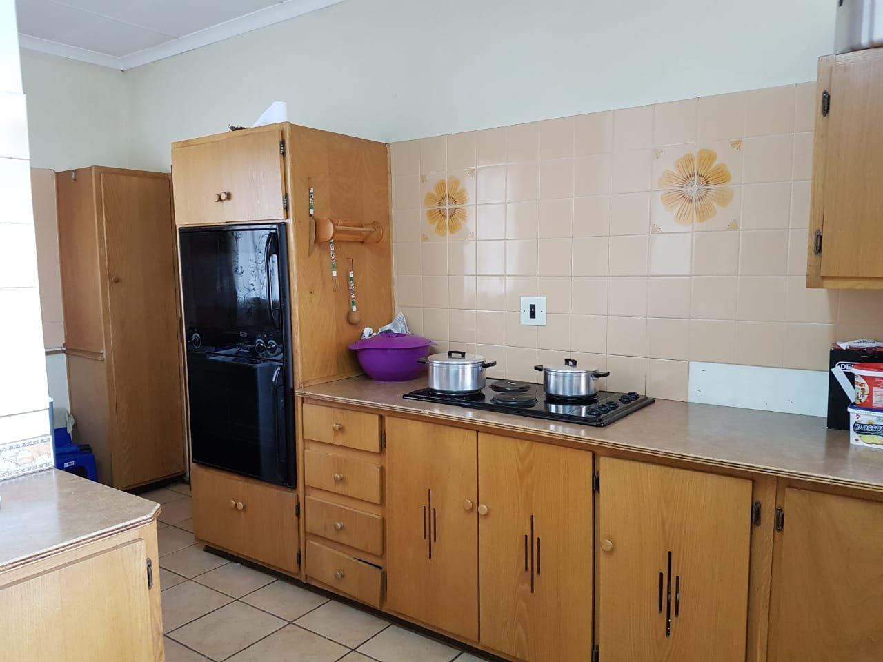 Eldoraigne property for sale. Ref No: 13623334. Picture no 3